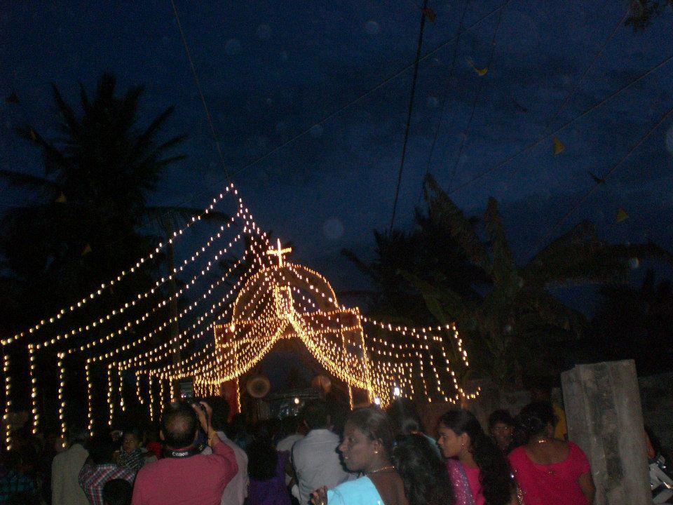 மண்டைதீவு புனித பேதுருவானவர் ஆலய வருடாந்த பெருநாள் விழா-01-08-2013 (2/6)